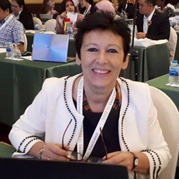 Dr Katinka de Balogh